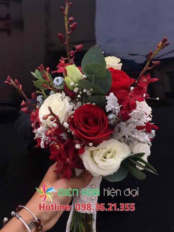 Hoa vưới ngọn lửa tình yêu - DH339