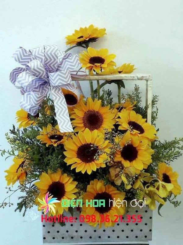 Giỏ hoa hướng dương vàng - DH329
