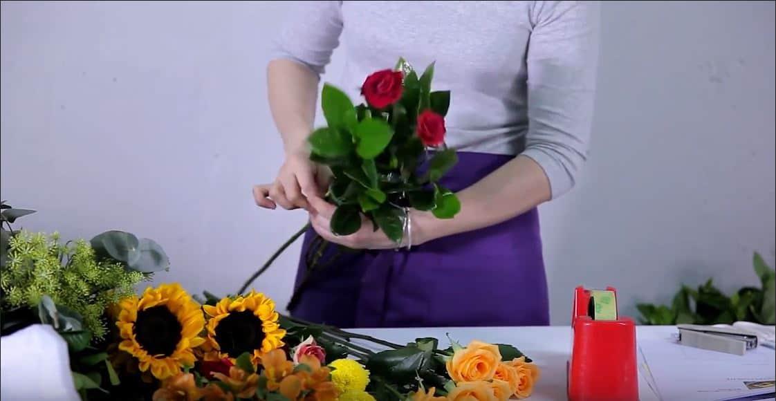 Hướng dẫn bó hoa hướng dương